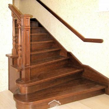 Г-образная лестница на металлокаркасе г. Щелково