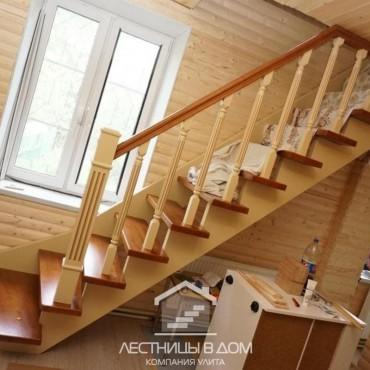 Легкая элегантная лестница для дачи в г. Черноголовка